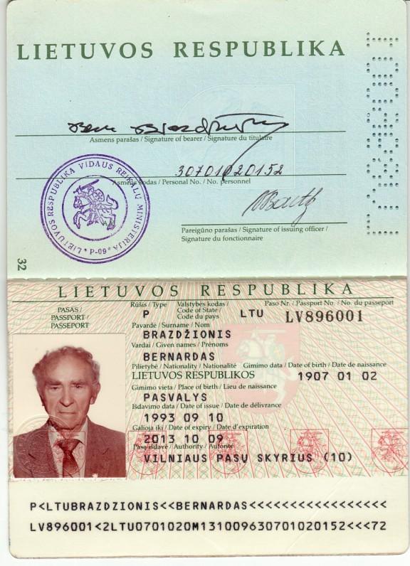 Lietuvos Respublikos pasas, išduotas B. Brazdžioniui 1993 m. rugsėjo 10 d. Vilniuje