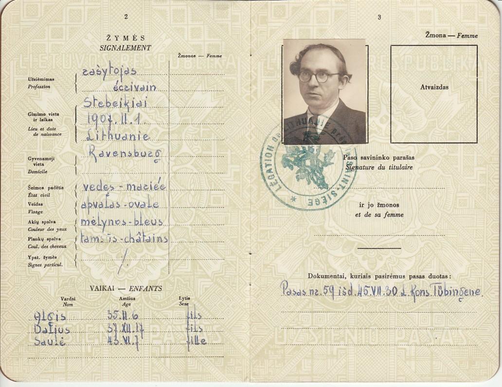 Lietuvos Respublikos užsienio pasas Nr. 2393, išduotas B. Brazdžioniui Romoje Lietuvos atstovo prie Šv. Sosto 1948 m. kovo 11 d., 2