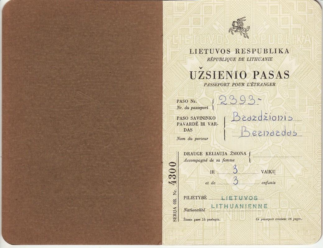 Lietuvos Respublikos užsienio pasas Nr. 2393, išduotas B. Brazdžioniui Romoje Lietuvos atstovo prie Šv. Sosto 1948 m. kovo 11 d.