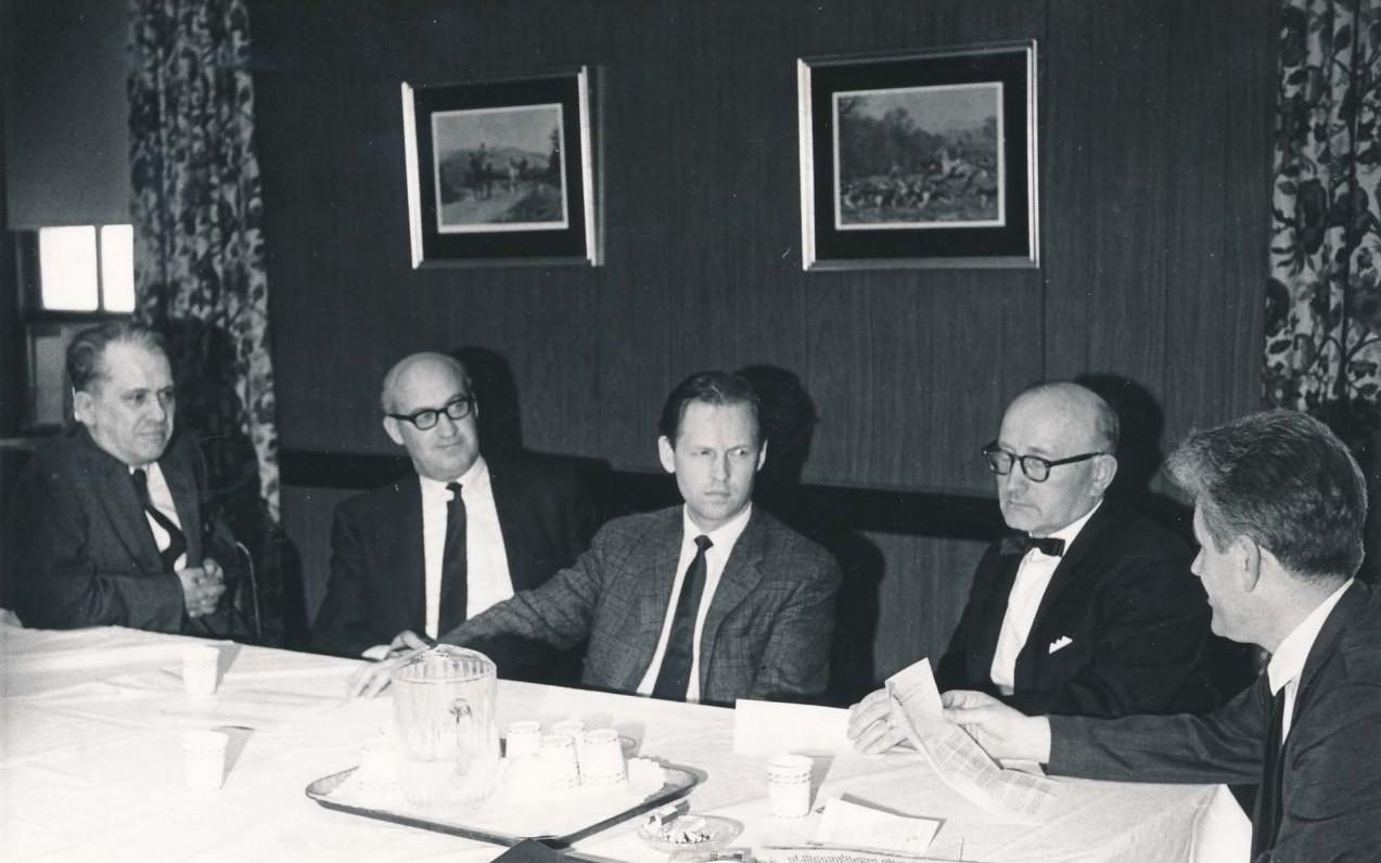 Lituanistikos instituto posėdis. Filadelfija, 1960 m. V. Maciūnas, B. Vaškelis, A. Nyka-Niliūnas, A. Vaičiulaitis, K. Ostrauskas