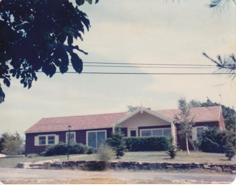 Namas Putname, kuriame gyveno kun. S. Yla – Švenčiausios Mergelės Marijos Nekaltojo prasidėjimo vargdienių seserų vienuolyno kapelionas