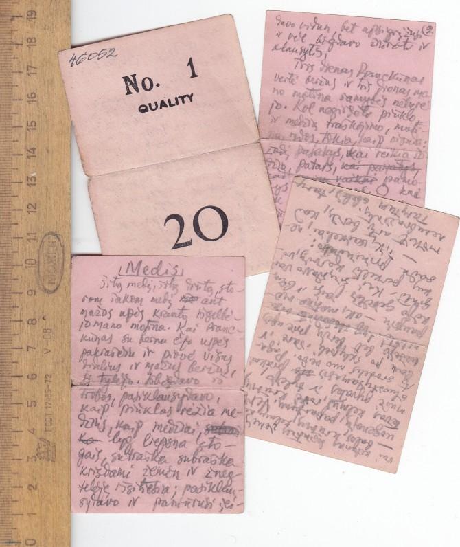 """Novelės """"Medis"""" fragmentas, rašytas dirbant siūlų fabrike ant etikečių. Apie 1955 m."""