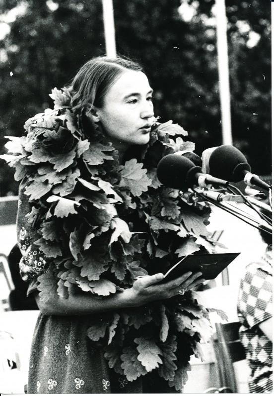 O. Baliukonė – 1983 metų Poezijos pavasario laureatė. Palemonas. O. Pajedaitės nuotrauka