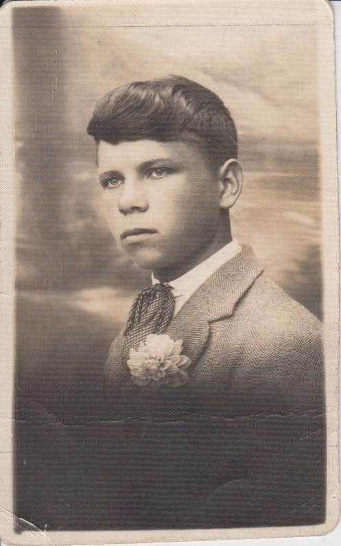"""P. Cvirka """"Pirmųjų mišių"""" išleidimo proga, 1928 09 09 (su užrašu Marytei). J. Garbaravičiaus nuotrauka"""