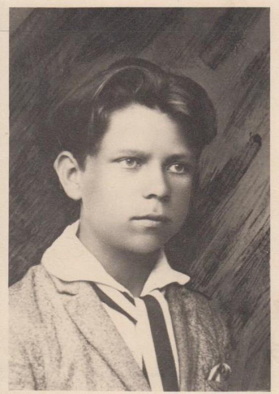 P. Cvirka 1926 m. Vilkijos gimnazijos 4 klasę baigus