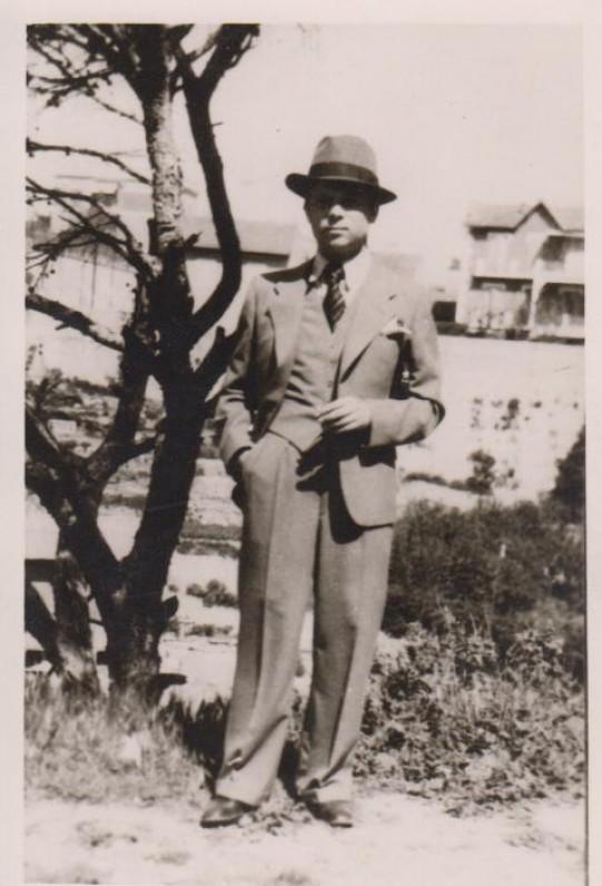 P. Cvirka 1937 m. Marselyje
