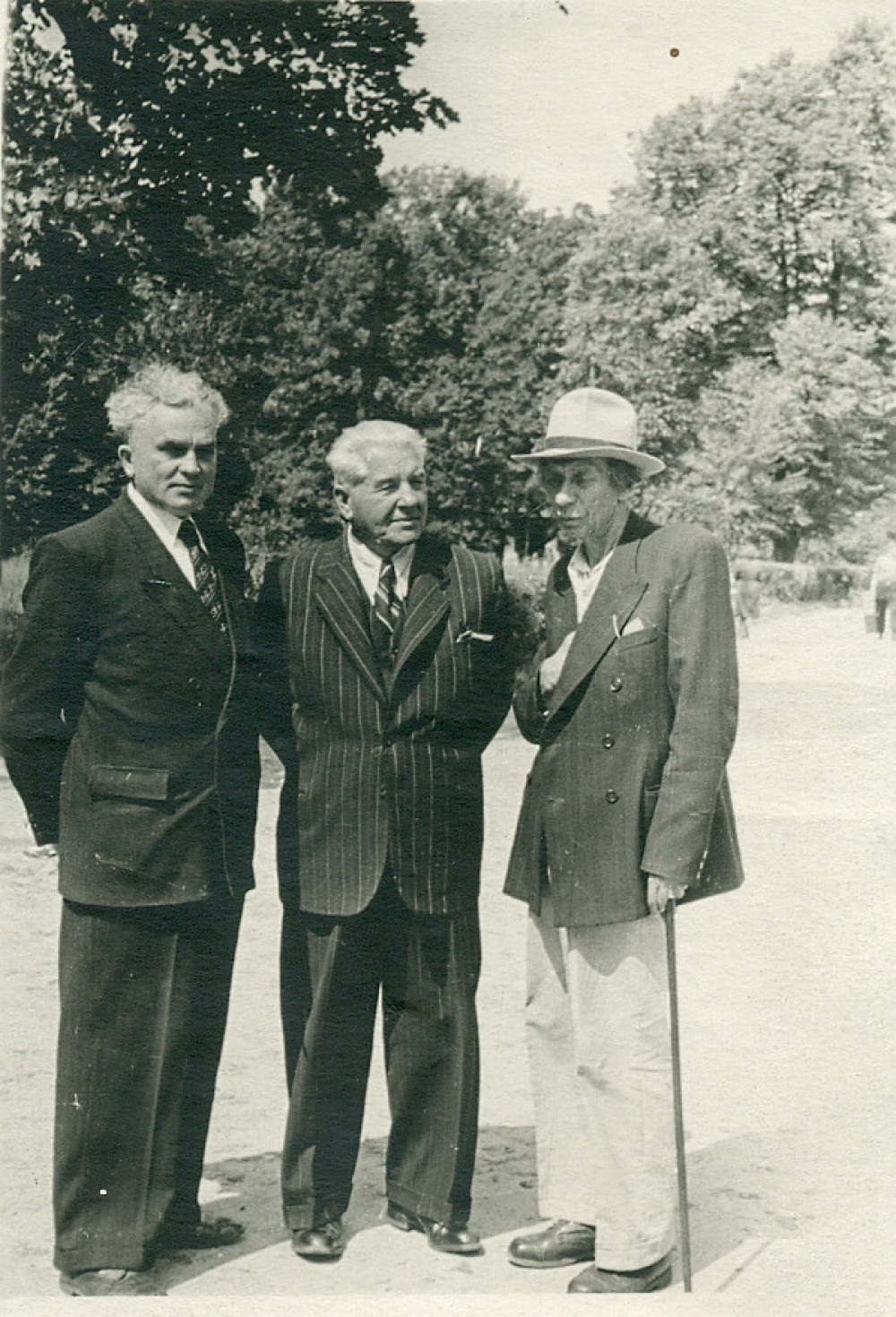 P. Vaičiūnas, kompozitorius K. Kaveckas ir dainininkas J. Bieliūnas. Vilnius, 1957 m.