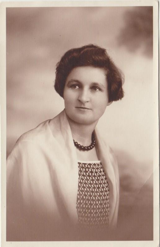 Petronėlė Orintaitė. Tauragė. Apie 1930 m.
