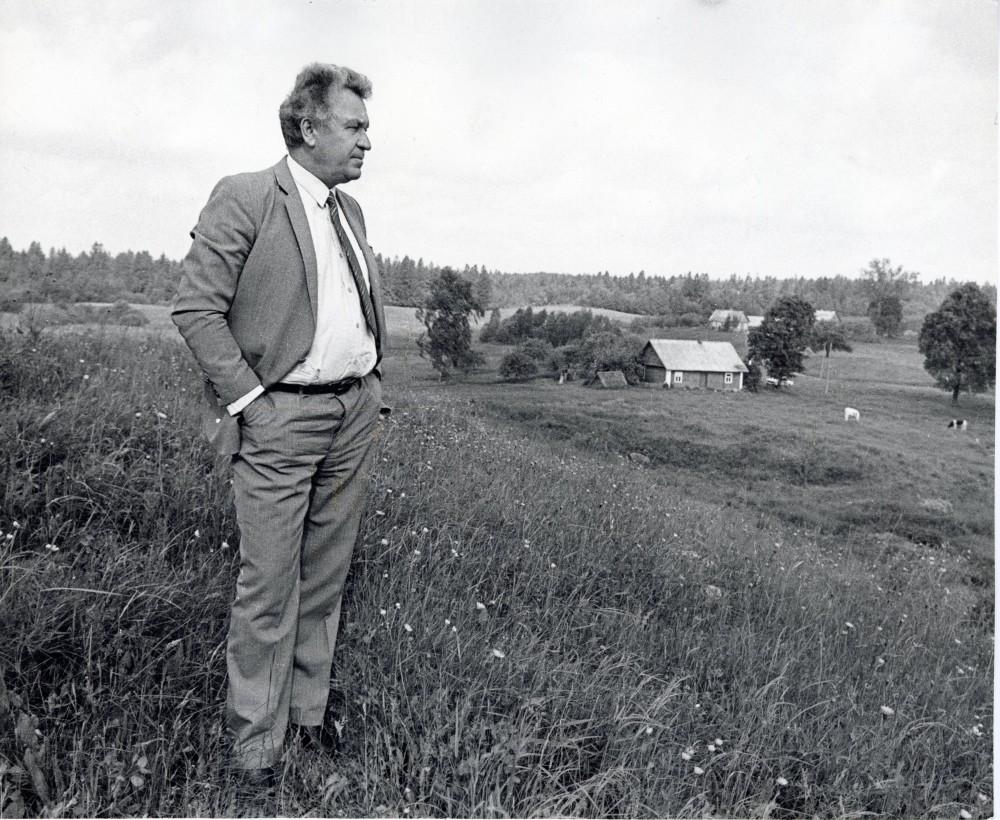 Poetas Dzūkijos laukuose