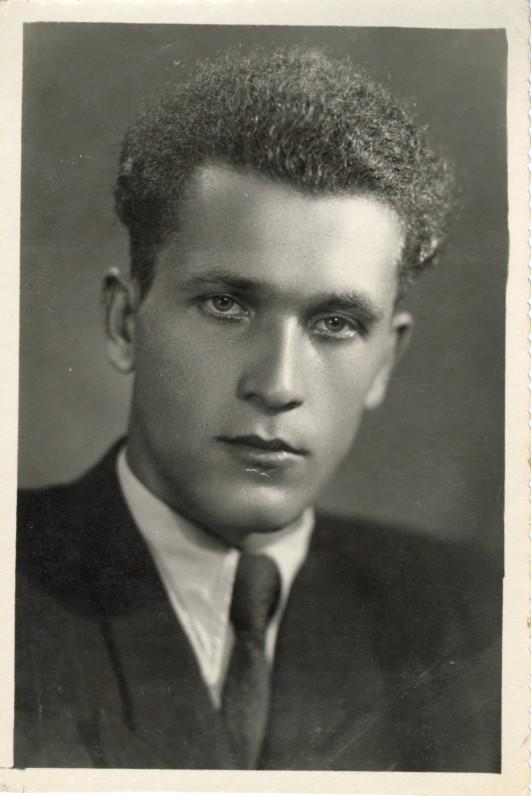 Portretinė fotografija, dovanota sutuoktinei Idalijai. 1952 VII 15