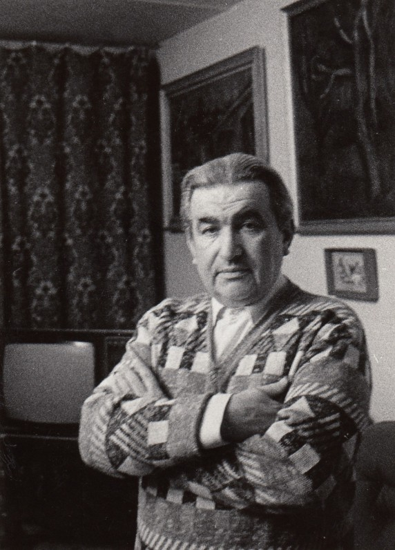 Rašytojas savo namuose Vilniuje. Apie 1989 m. A. Žižiūno nuotrauka