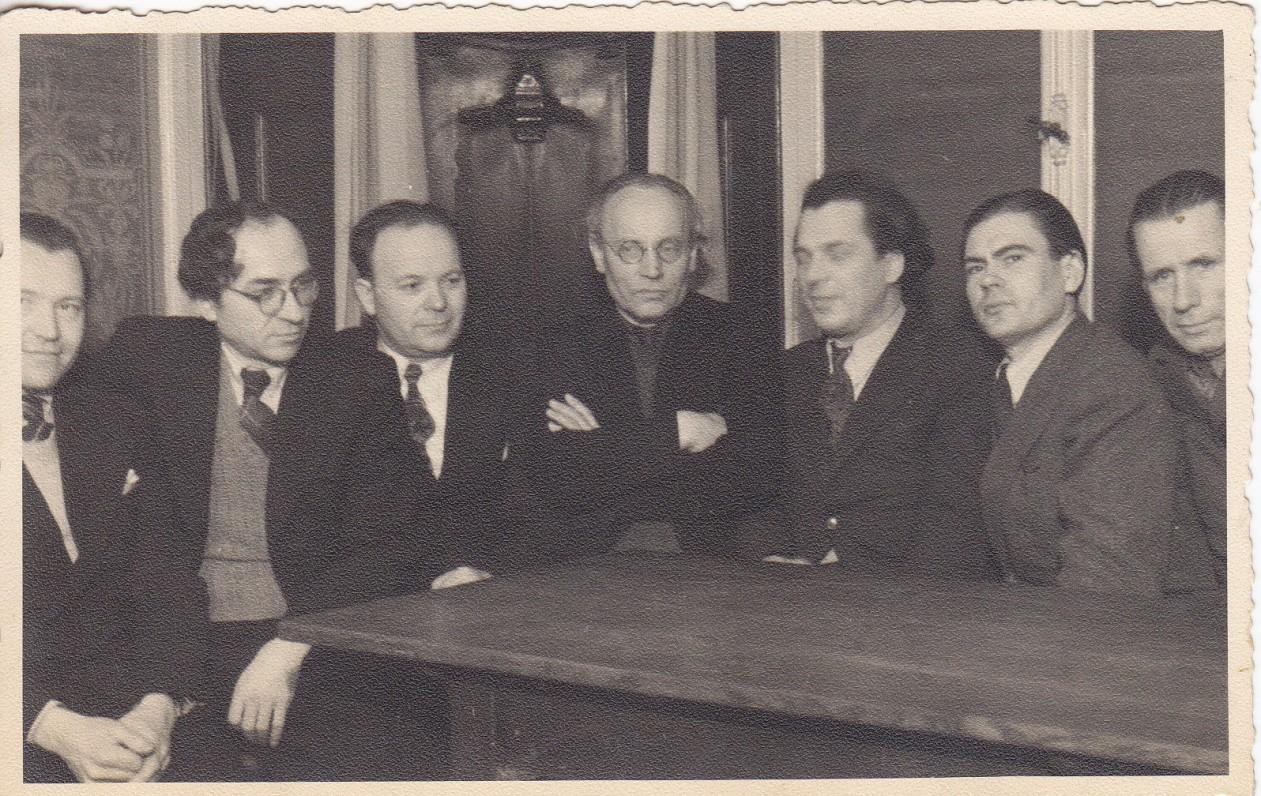 Ravensburgo meno diskusijų dalyviai. B. Babrauskas, B. Brazdžionis, J. Jankus, F. Kirša, A. Gustaitis, B. Auginas, V. Braziulis. 1948 m.