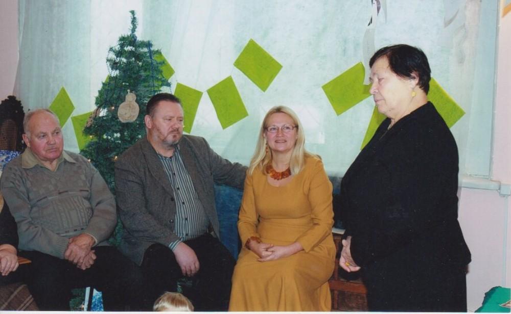 Renginys, skirtas V. Petkevičiaus 80-mečiui Vaikų literatūros muziejuje. Iš dešinės – Raisa Petkevičienė, Liudmila Petkevičiūtė, sūnus Vytautas Petkevičius, 2010 12 16