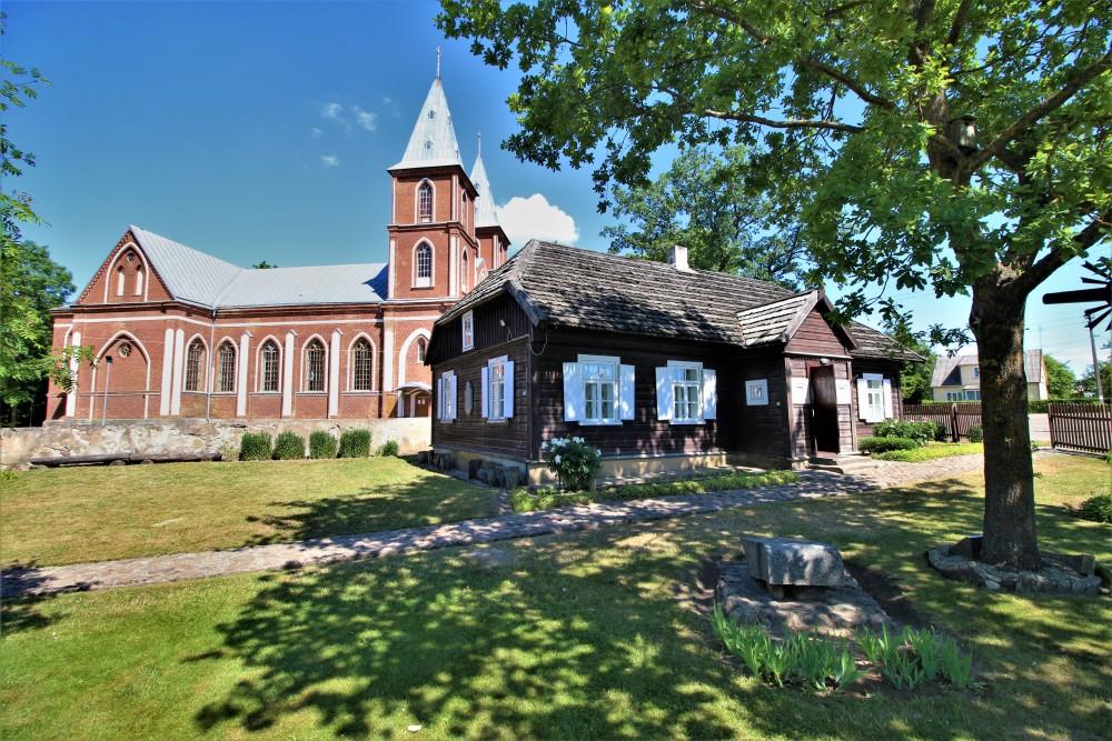 S. Daukanto muziejus Papilėje (buvusi klebonija). Čia 1861-1864 m. gyveno S. Daukantas. Nuotr. Z. Baltrušio. 2018 m.