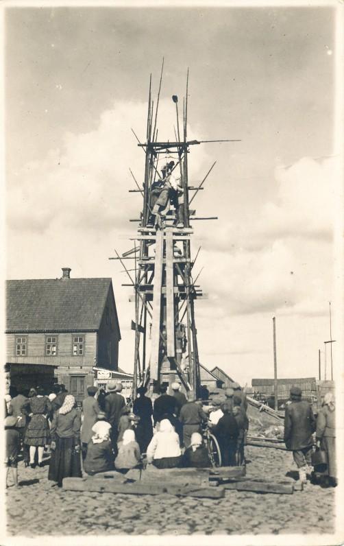 S. Daukanto paminklo statyba Papilėje. 1930 m.