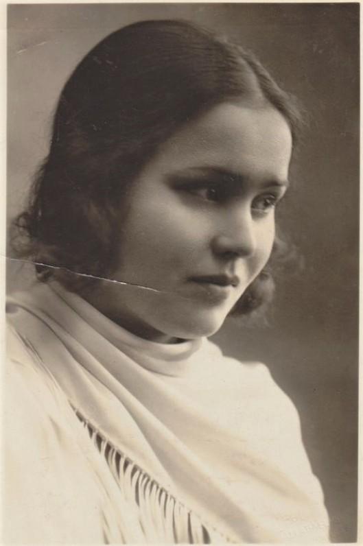 Salomėja Nėris. Apie 1930 m., 2