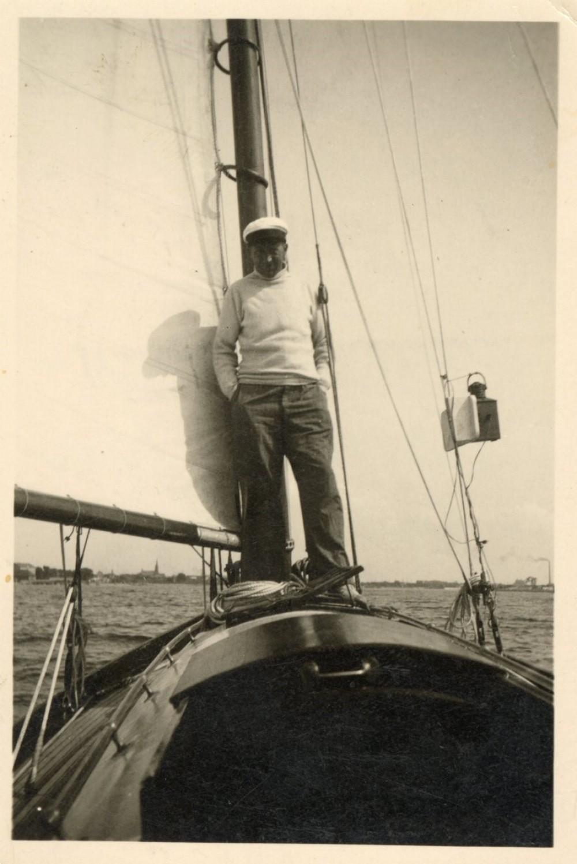 Salys Šemerys-Šmerauskas savo jachtoje