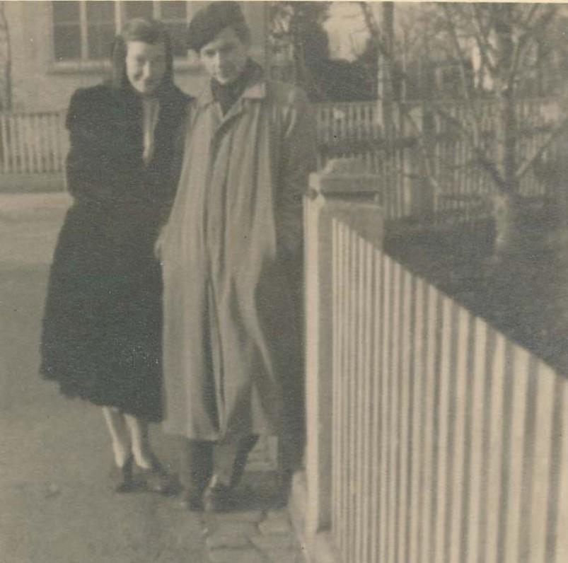 Su būsima žmona Aleksandra. Freiburgas, 1948 m.