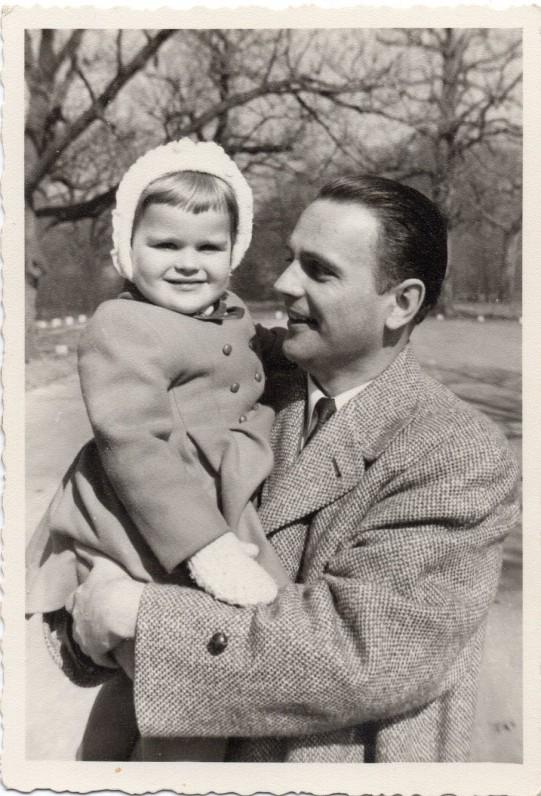 Su dukra Judita. Apie 1950 m. JAV