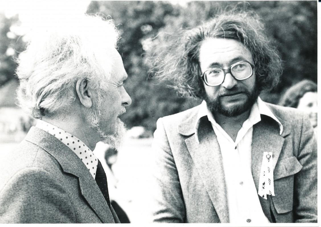 Su poetu Sigitu Geda. Apie 1985 m.