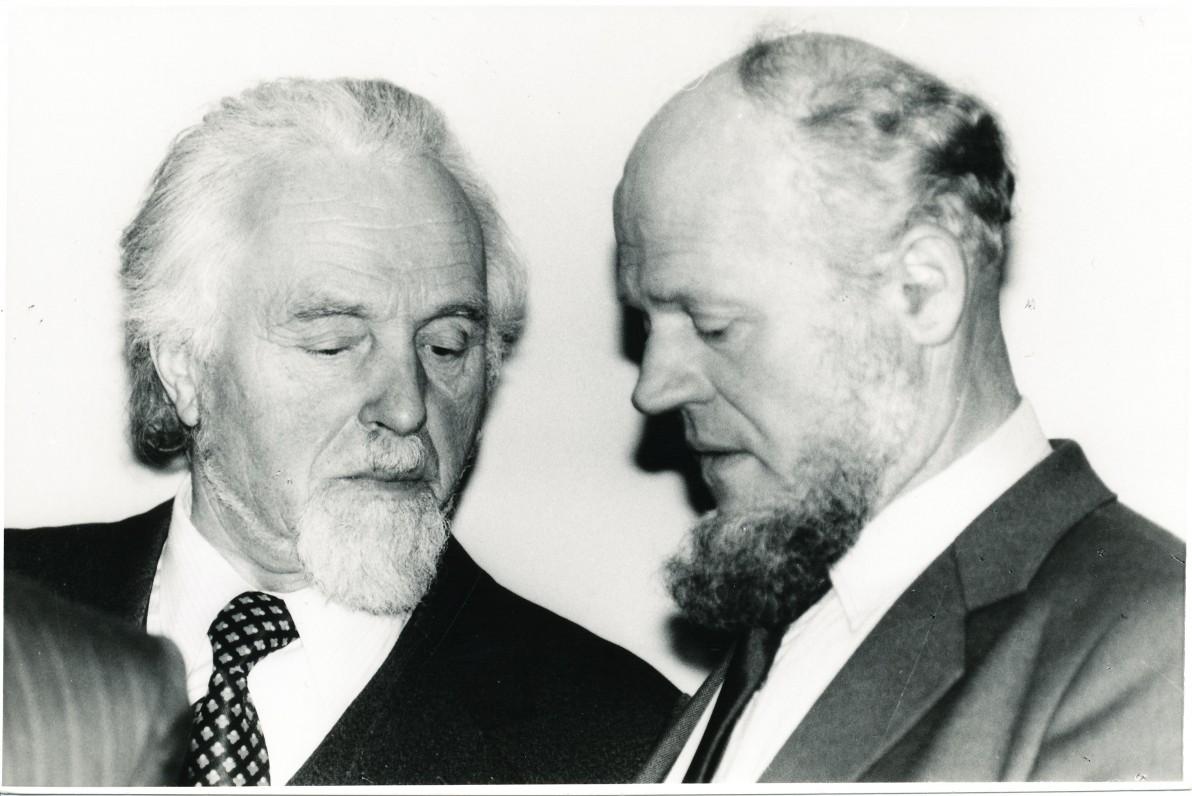 Su rašytoju Juozu Apučiu. Vilnius. 1987 m. O. Pajedaitės nuotrauka