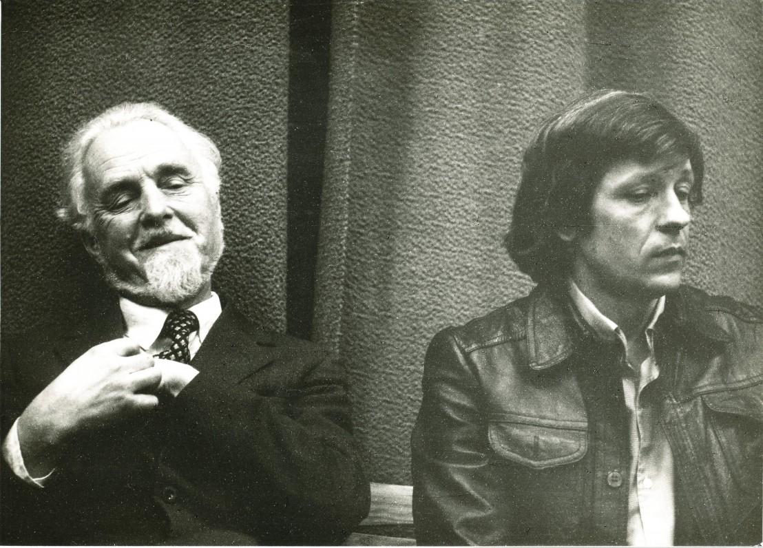 Su rašytoju Saulium Šalteniu. Vilnius. 1986 m. O. Pajedaitės nuotrauka