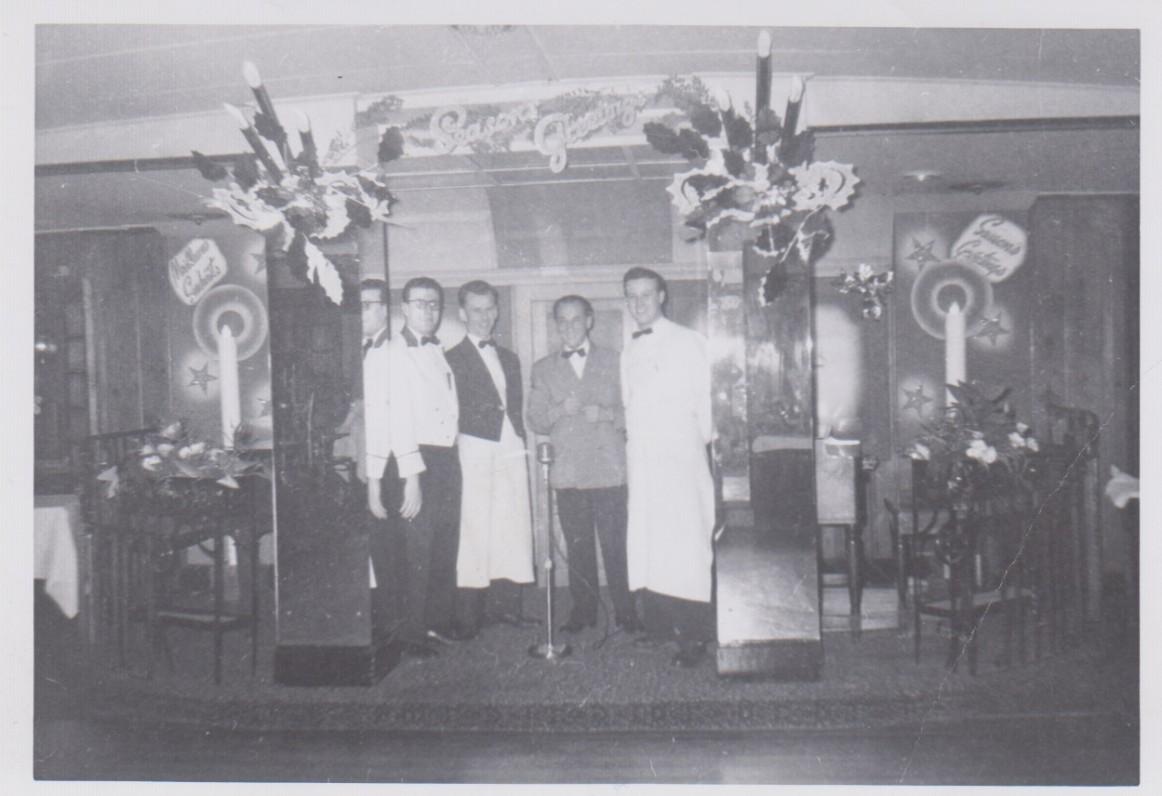 """V. A. Jonynas darbo vietoje, viešbutyje """"De la Salle"""". Montrealis. Apie 1955 m."""