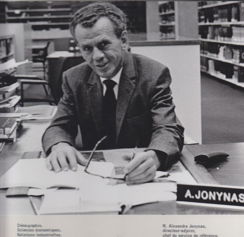 V. Jonynas – Montrealio universiteto bibliotekos direktoriaus pavaduotojas, informacijos tarnybos vadovas. Montrealis. 1984 m.