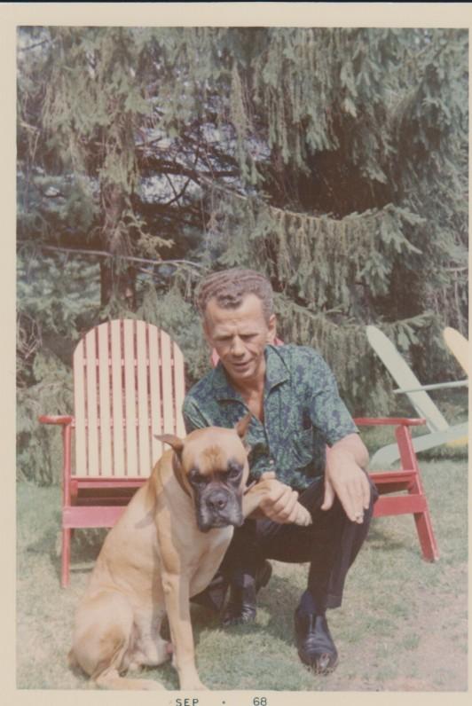 V. Jonynas su brolio šunimi. Kanada. 1968 m.
