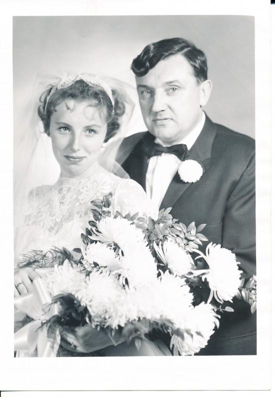 Vestuvių dieną su žmona Nijole. 1957 spalio 12 d.