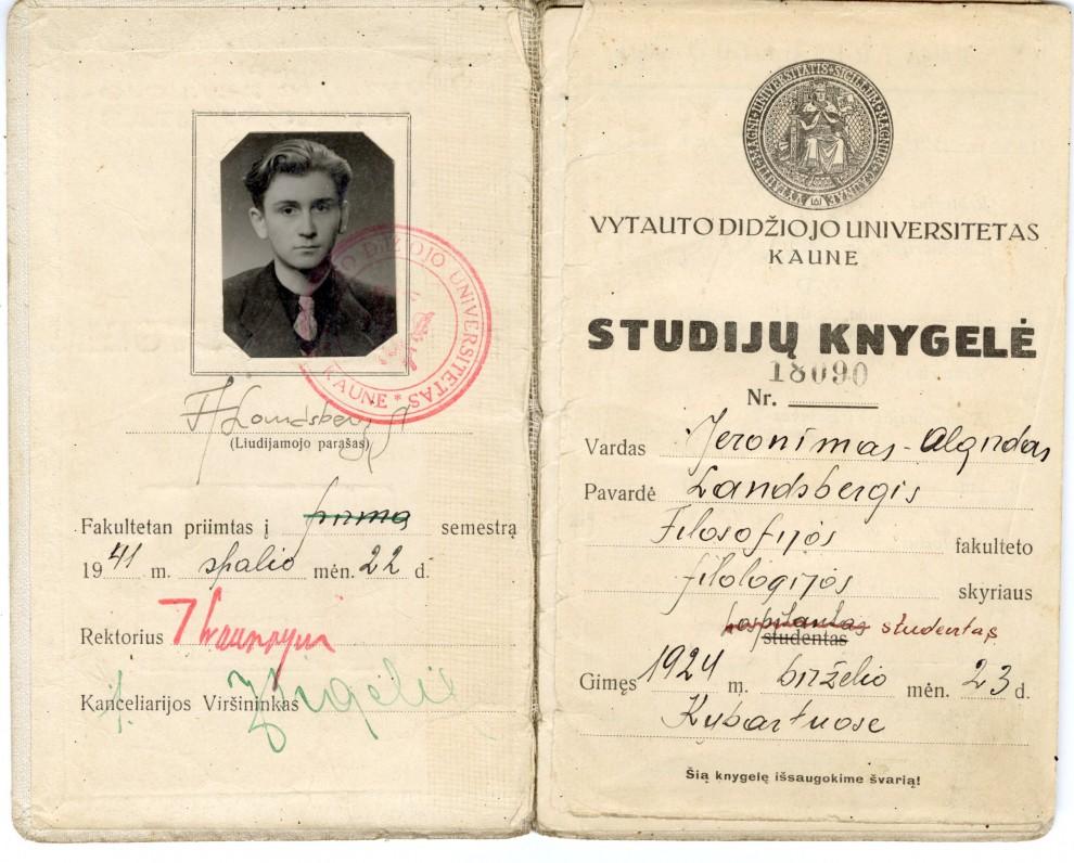 Vytauto Didžiojo universiteto studijų knygelė Nr. 18090, išduota A. Landsbergiui. 1941 m. spalio 22 d.