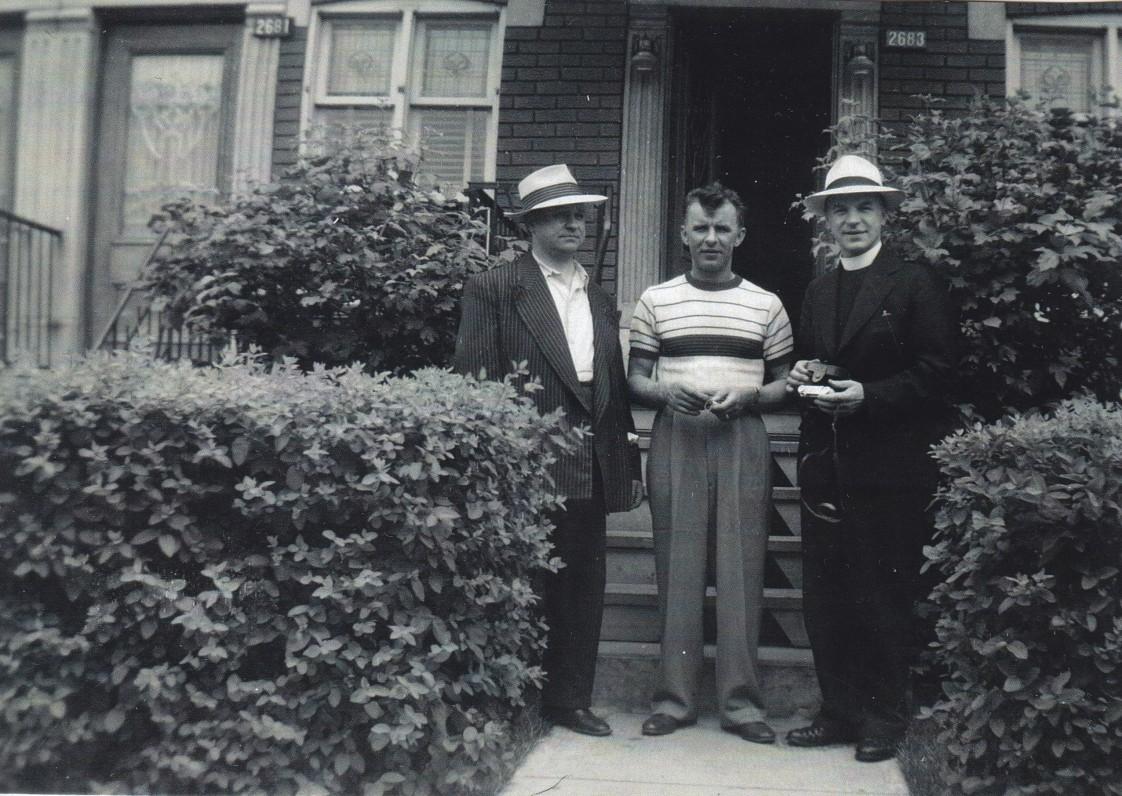 Yla su broliais, viešint JAV. Apie 1935 m. Iš dešinės – Stasys, Jonas ir Donatas