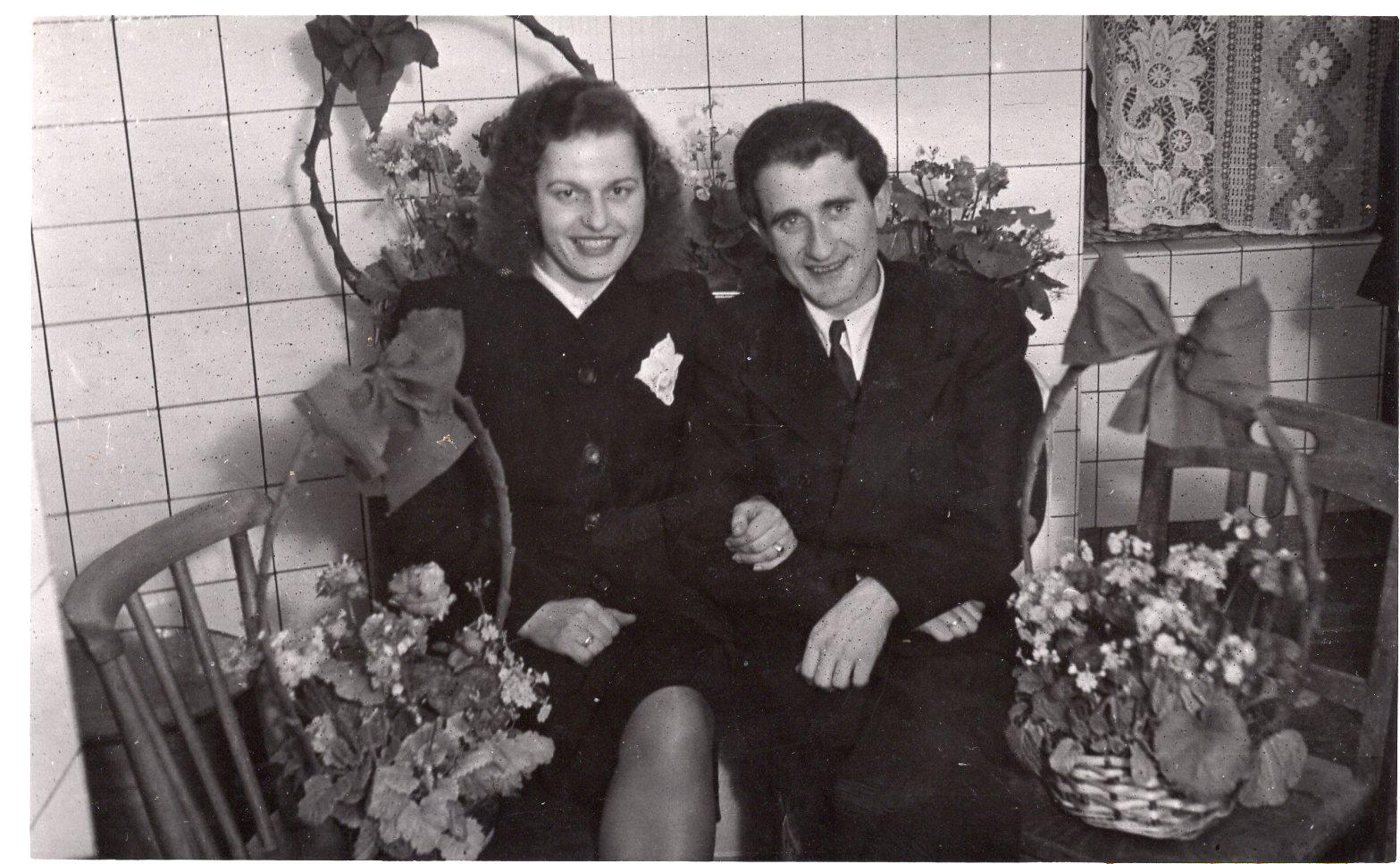Bronė ir Vytautas Volertai. Kemptenas, apie 1948–1949 m.