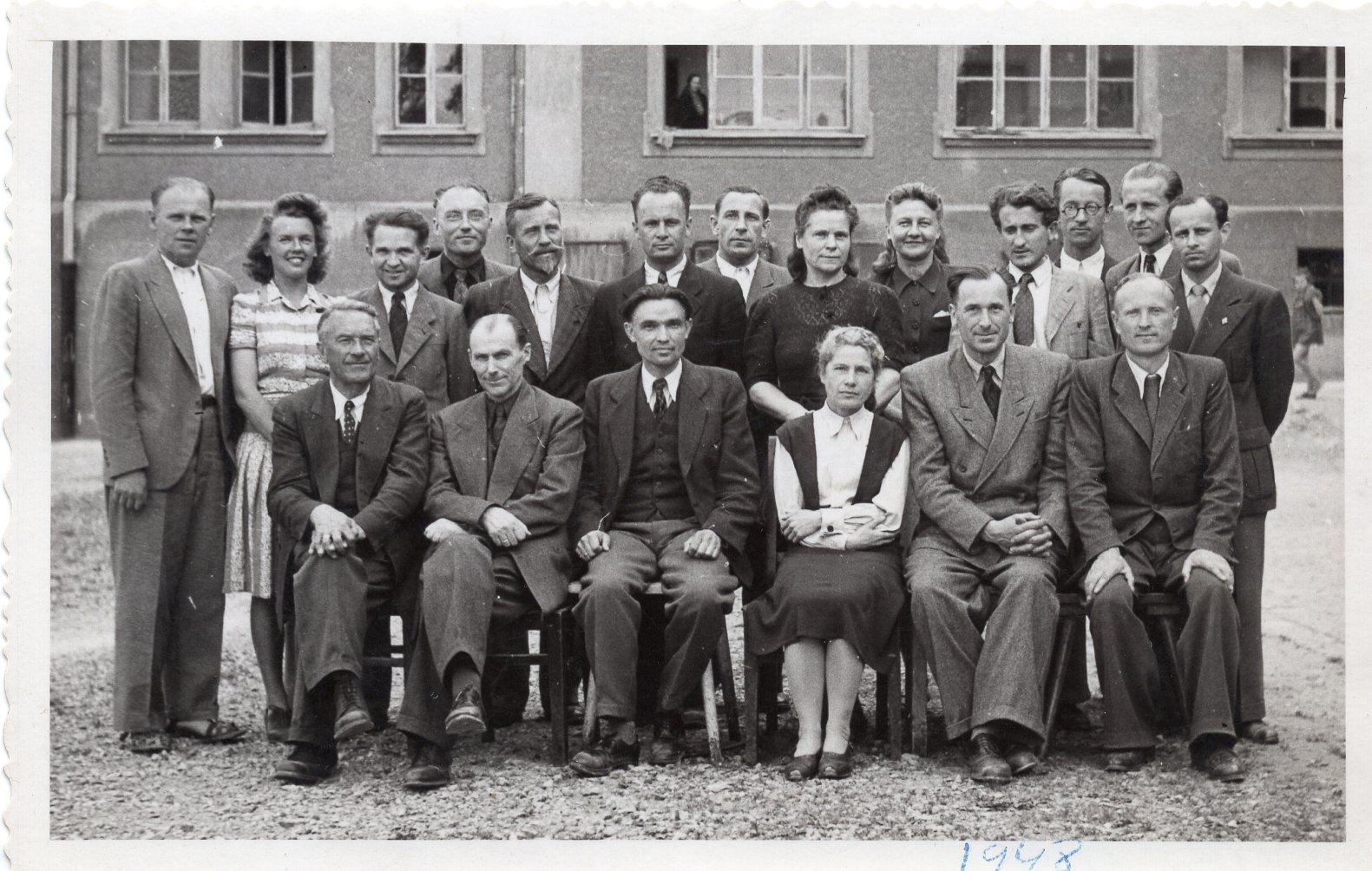 Kempteno lietuvių Maironio vardo gimnazijos pedagogų taryba. 1948 m.