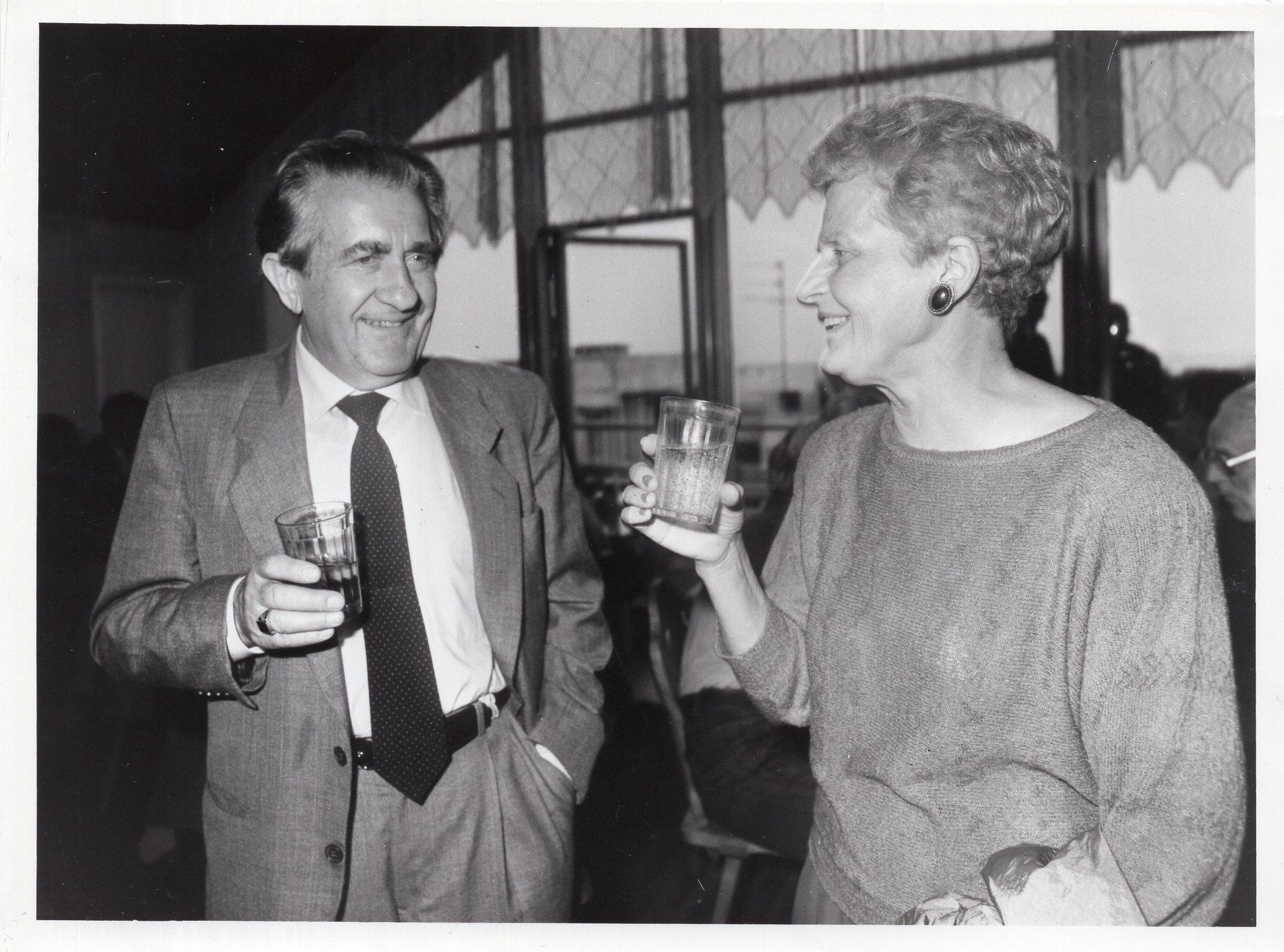 V. Volertas su žmona Brone. Lietuva, 1992 m. A. Sutkaus nuotrauka