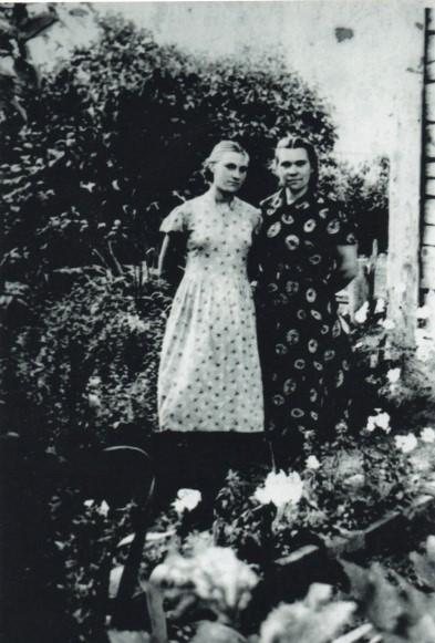 Seserys Elena ir Elvyra Mezginaitės. 1958 m. rugpjūtis